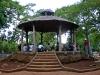 Glorieta del parque de H y 21.