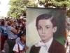 1- Desfilan portando foto de Martí niño