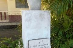 a-memorial-to-Celia-in-a-very-small-park-in-Pilón-2