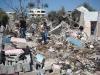 Casas destruidas completamente y sus habitante muertos o heridos.