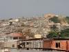 barrio-periferico-con-antenas-parabolicas