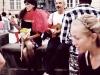 sentado-en-el-puente-con-el-cantante-y-artista-lituano-colombiano-jurgis-didziulis