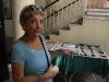 Elvira Reinaldo imparte taller de manualidades.