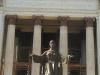 002-jpg distintos ángulos de la escalinata y su estatua del Alma Mater.