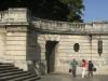 003-jpg distintos ángulos de la escalinata y su estatua del Alma Mater.