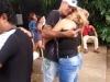 una-pareja-de-rockeros-abrazada