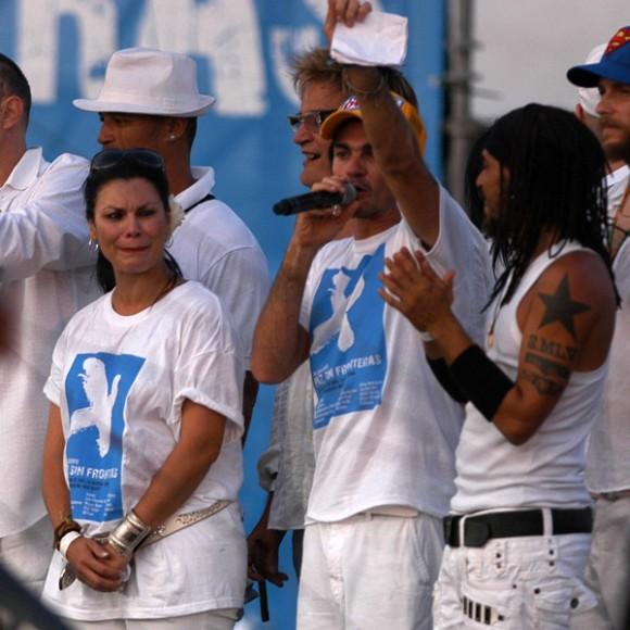 Olga Tañon, Juanes y X Alfonso en el cierre del concierto Paz sin Fronteras, photo: Sergio Abel Reyes/AIN