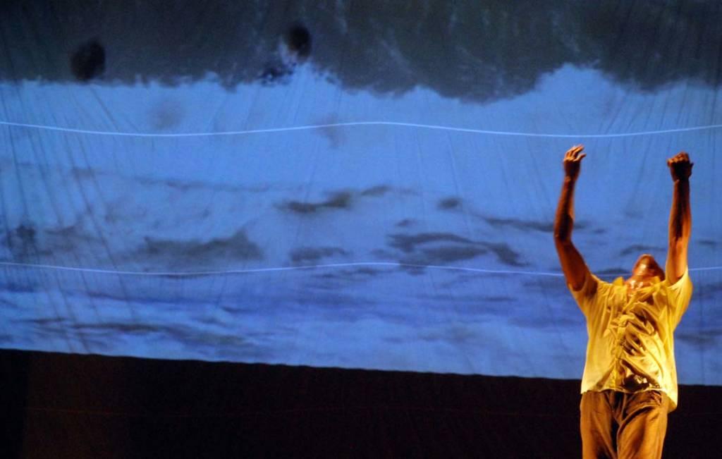Backflow trasmite un sentido de maravilla: de algo tan simple como el agua.  Photo: Caridad