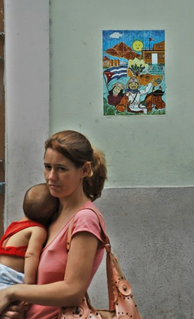 Havana mom.  Photo: Caridad