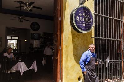Bar-restaurante privado en La Habana. foto: Juan Suárez