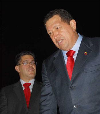 Hugo Chávez y el actual canciller, Elías Jaua.