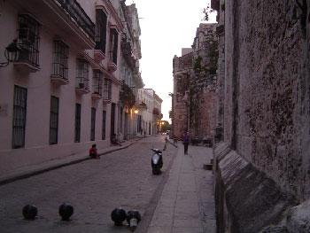 Havana Street. Photo: Ken Bell