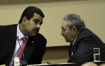 Nicolás Maduro y Raúl Castro en la calusura de la Comisión Intergubernamental Cuba-Venezuela el sábado 27 de abril. Foto: Ismael Francisco/Cubadebate.