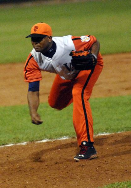 Villa Clara takes 2-1 series lead over Cienfuegos.
