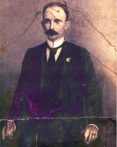 La foto de Jose Martí.
