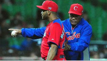 El derecho Odrisamer Despaigne (izquierda) tomó parte con el elenco cubano en el pasado III Clásico Mundial de Béisbol. El derecho nunca pudo cumplir satisfactoriamente su labor dentro de los elencos nacionales del patio.
