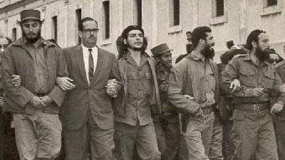 Fidel Castro, Osvaldo Dorticós, el Che y otros dirigentes de a Revolución durante el sepelio de las víctimas de La Coubre en 1961.