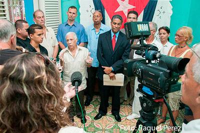 Biscet, excarcelado en el 2010, fue uno de los pocos que decidió quedarse en Cuba bajo libertad condicional para intentar unificar la disidencia. Foto: Raquel Pérez