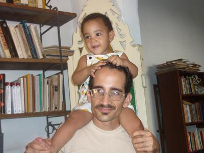Rogelio con su hijo