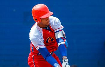 Es solo cuestión de tiempo la marcha del estelar Yulieski Gourriel al béisbol profesional japonés.