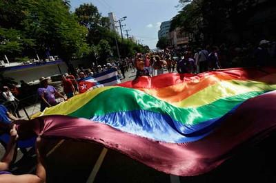 Sentí emoción al saber que países como Argentina han avanzado en las luchas por obtener un estado de derecho real, algo que lamentablemente en mi opinión, no existe en Cuba para las minorías sexuales.