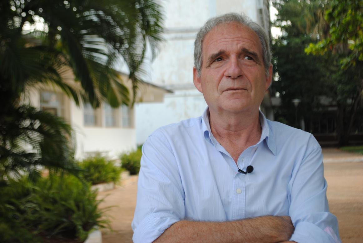 Carles Bosch ha dirigido reportajes y documentales de importantes acontecimientos internacionales, como la Primera Guerra del Golfo, las Guerras de Bosnia y Kosovo, así como la Revolución Zapatista.