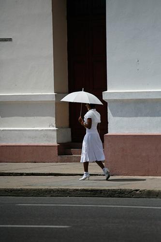 Mujer de blanco.