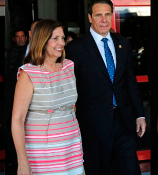 Andrew Cuomo heads a business delegation to Havana with Josefina Vidal who heads the USA desk at the Cuban Foreign Ministry.