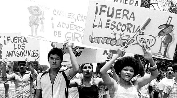 Marcha de repudio contra la población emigrante.