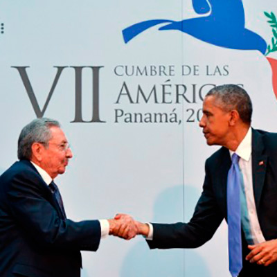 Presidentes de Cuba y EE.UU. en la Cumbre de Las Américas en Panamá.