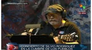 Silvio Rodíguez en su concierto del 9 de Abril en Panamá para La Cumbre de los Pueblos.