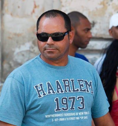 Uno de los agresores, el que había empezado a trabajar en una sede diplomática en Cuba.