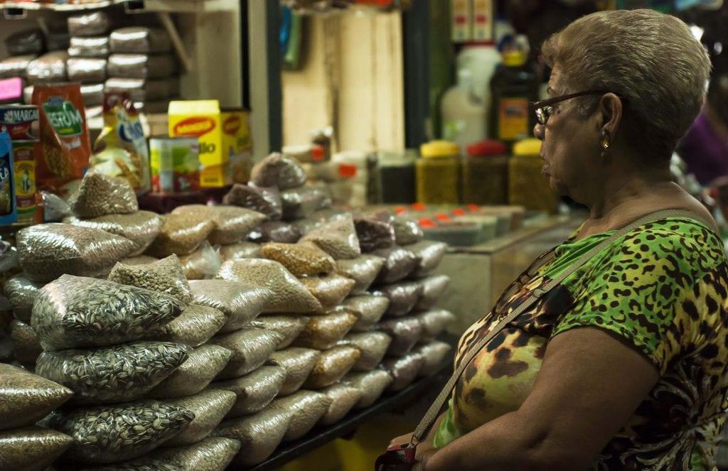 granos y semillas en mercado de catia