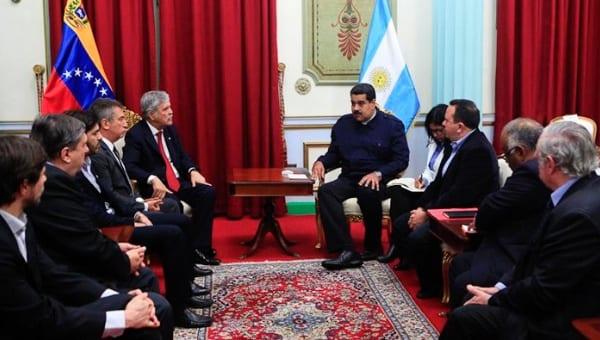 Venezuela y Argentina firman acuerdo de abastecimiento.  Foto: telesurtv.net