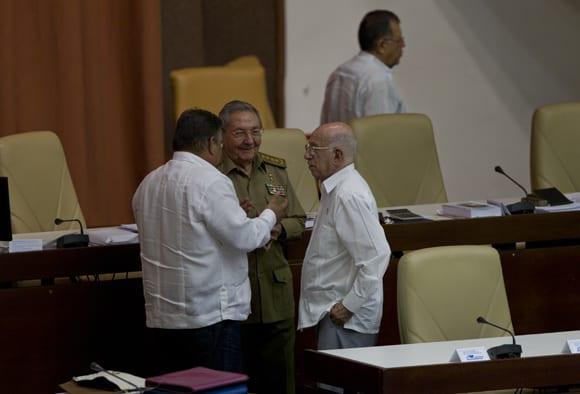 Con la presencia del General de Ejército Raúl Castro, presidente de los Consejos de Estado y de Ministros, se inició en el Palacio de las Convenciones de La Habana el V Periodo Ordinario de Sesiones de la VIII legislatura de la Asamblea Nacional del Poder Popular. Foto: Ladyrene Pérez/ Cubadebate