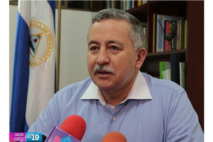 El vocero del Canal, Telemaco Talavera.