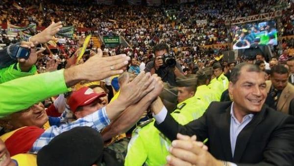 Concentración de apoyo al presidente Rafael Correa y en contra de la huelga.  Foto: presidencia.ec