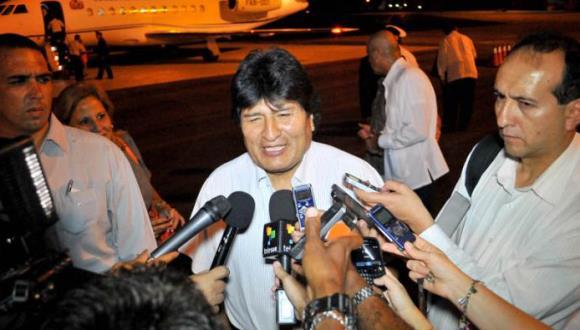 Evo Morales llegando a La Habana para el cumpleaños de Fidel Castro.  Foto: Ricardo López Hevia/granma.cu