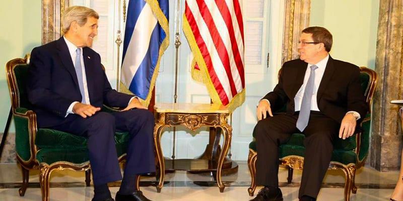 John Kerry y Bruno Rodríguez