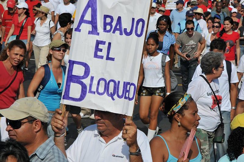 La denuncia del Embargo es una bandera política que ha servido a Cuba para movilizar a la población. Foto: Raquel Pérez Díaz