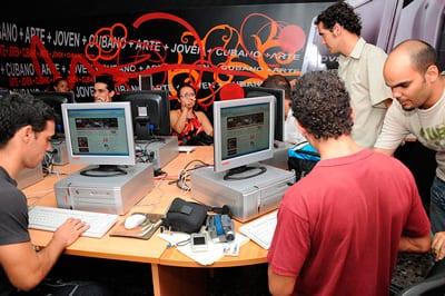 """La llamada prensa """"alternativa"""", los blogueros y las redes sociales han demostrado que los periodistas cubanos son capaces de hacer un mejor periodismo, si se les deja de censurar."""