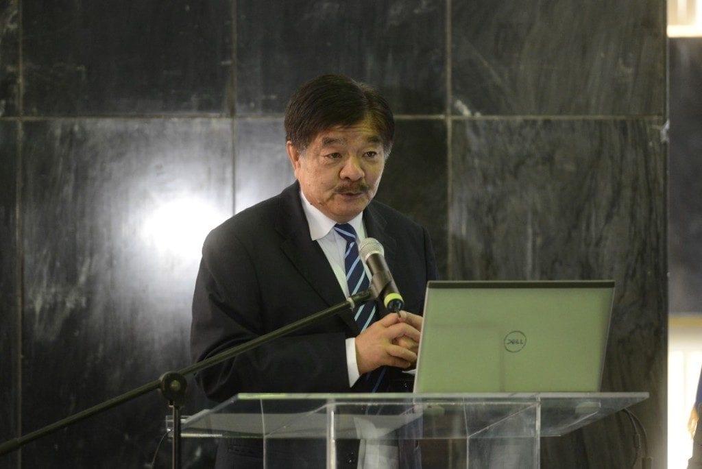 """El subdirector ejecutivo de HKND Group, Kwok Pang, durante la """"consulta pública"""" de los estudios canaleros. Carlos Herrera/Confidencial"""