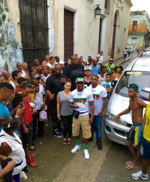 Floyd Mayweather en las calles de La Habana.