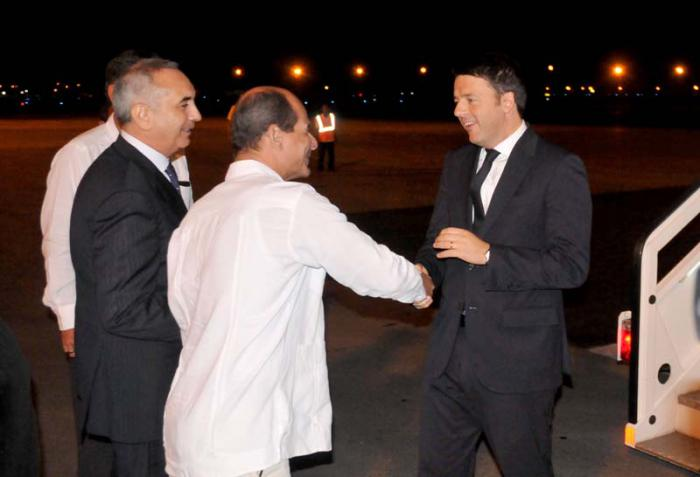 El primer ministro italiano, Matteo Renzi llegando a Cuba. Foto: Ismael Batista/granma.cu
