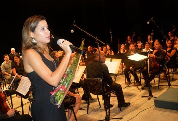 Wilma Alba con la sinfónica.