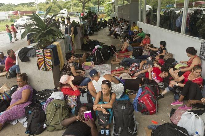 Cubanos esperando en Costa Rica. Foto: prensa.com