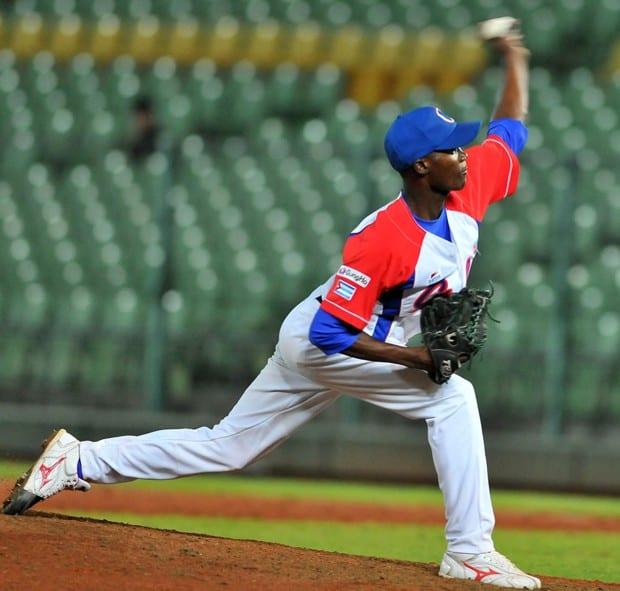 Beisbol-cuba-Premier12. Lanzador Livan Moinelo