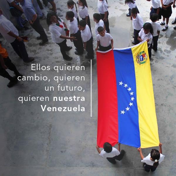 Foto: https://www.facebook.com/HenriqueCaprilesRadonski/photos_stream?ref=page_internal