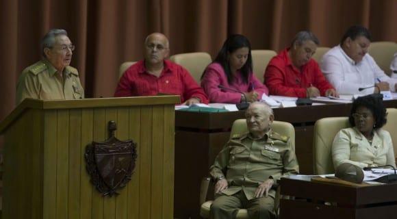 Raúl Castro en el parlamento cubano.  Foto: Ismael Francisco/Cubadebate.