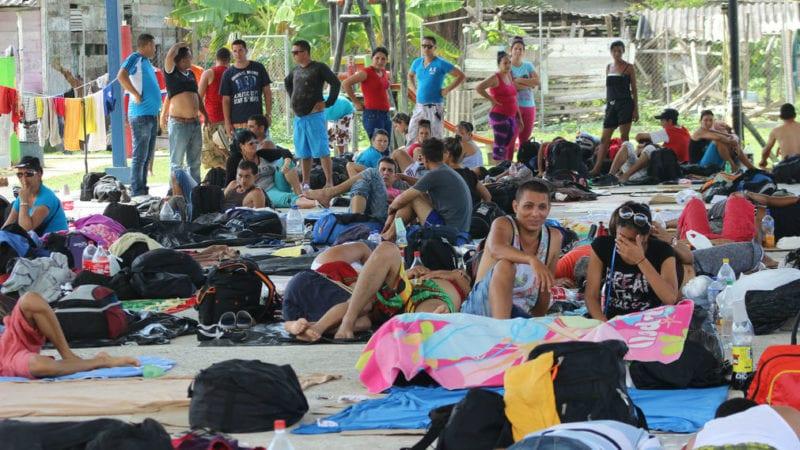 Cubanos varados en Puerto Obaldía, Panamá. Foto: tvn-2.com
